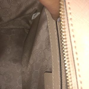 Michael Kors Bags - Michael kors cross body purse!